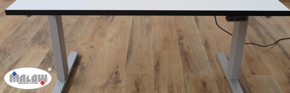 Stół z regulowaną wysokością blatu